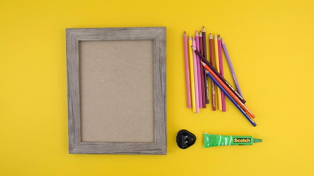 diy-fabriquer-cadre-lettre-crayons-couleur-elvine-animations